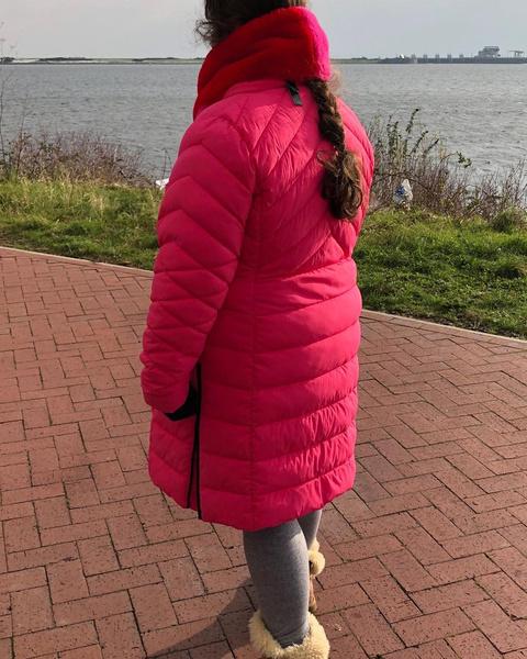 Фото №4 - 19-летняя девушка по-прежнему носит памперсы, пользуется соской и не разговаривает из-за необъяснимого заболевания