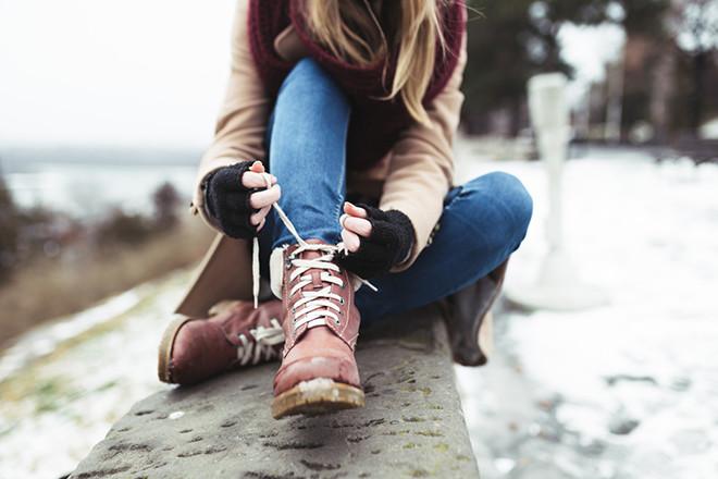 Фото №2 - Чтобы обувь не скользила: 6 домашних лайфхаков