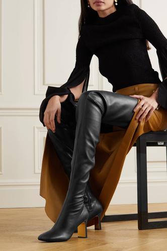 Фото №7 - Самая модная обувь сезона: где искать идеальные ботфорты (и с чем их носить)