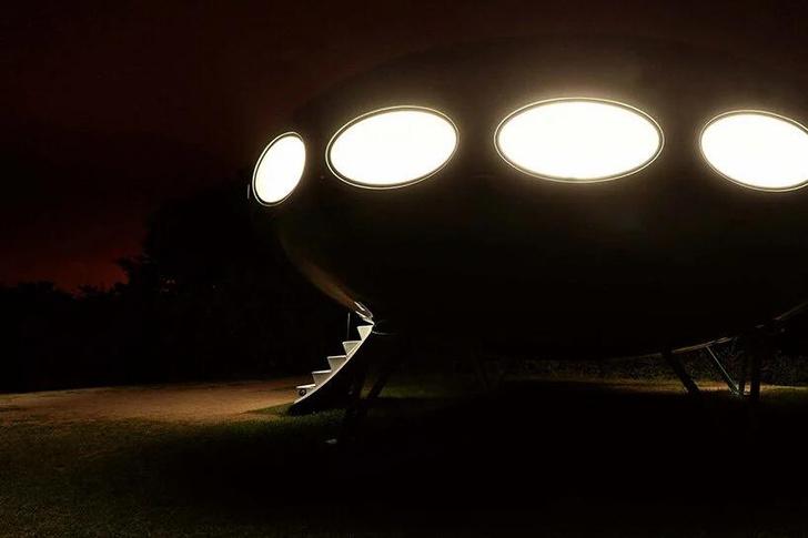 Фото №6 - Ретрофутуристичный дом в английском парке (кстати, сдается в аренду)