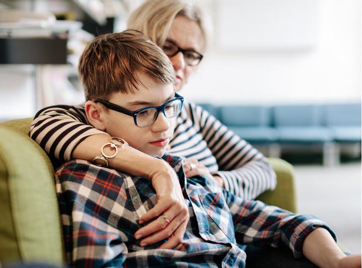 Фото №1 - «Меня стал раздражать 11-летний сын, что делать?»: отвечают психологи