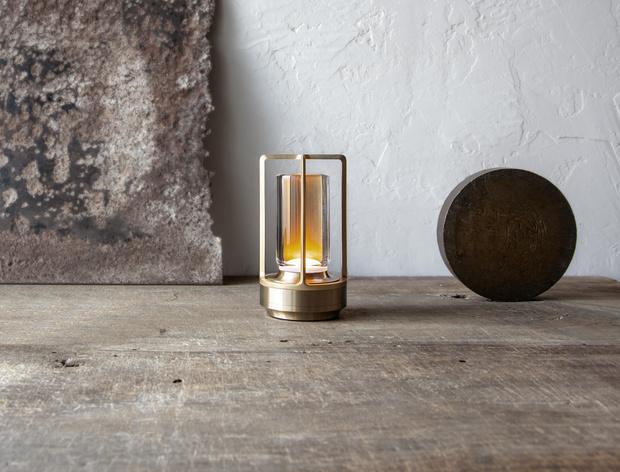 Фото №3 - Портативная лампа Turn+ по дизайну Нао Тамуры