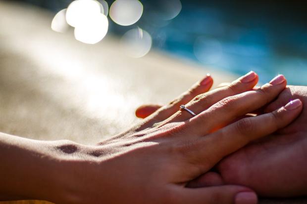 Фото №4 - «Я вышла замуж за двоюродного брата, после чего мы уехали из страны»: на какие жертвы можно пойти ради любви и не пожалеть