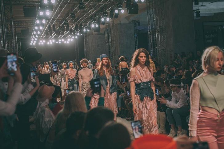 Фото №2 - Лучшие цитаты про моду— от тех, кто реально сечет в fashion-индустрии 👠
