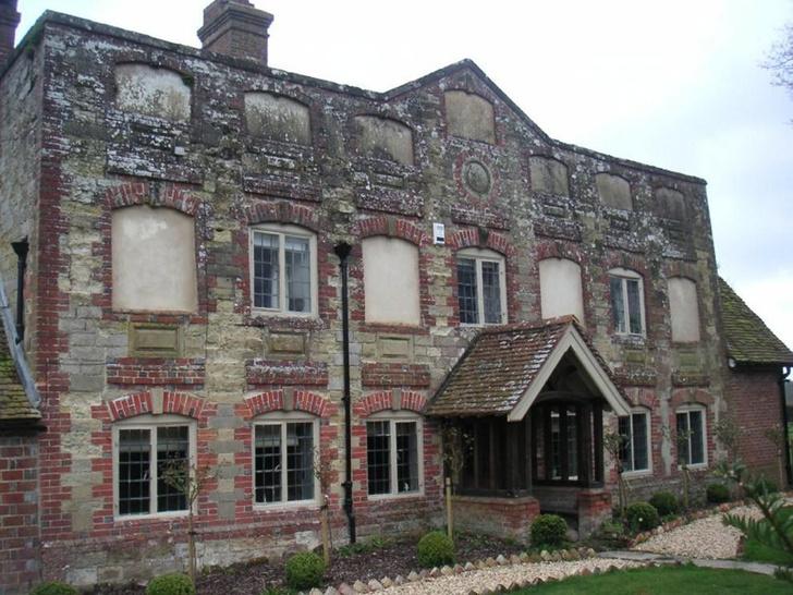 Фото №1 - Почему в исторических зданиях Великобритании замурованы окна?