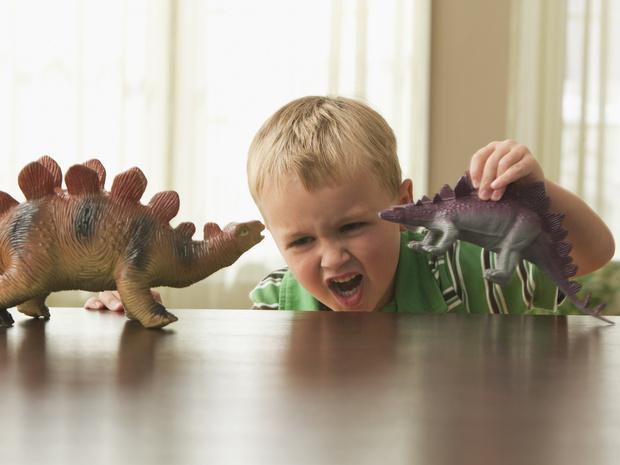 Фото №2 - Что делать, если ребенок проявляет агрессию: советы родителям