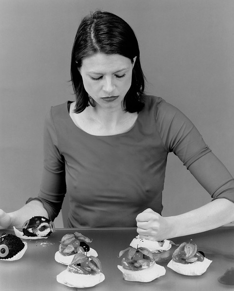 Фото №4 - Откровения девушки с пищевым расстройством: «Я воровала деньги у мужа и покупала еду. Ела ее в ванной, пока все спят»