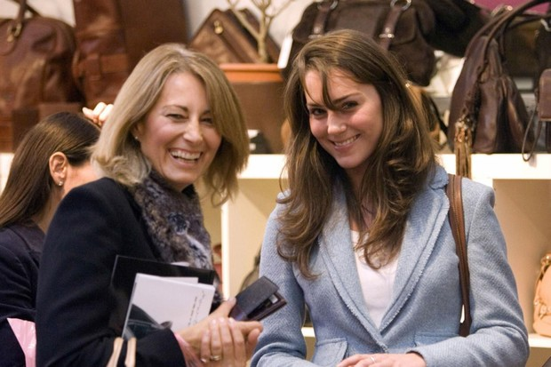 Фото №10 - Кейт Миддлтон и принц Уильям отмечают юбилей семейной жизни: как развивался роман самой обсуждаемой пары