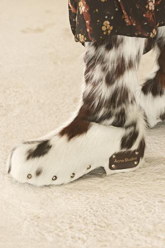 Фото №11 - Самая модная обувь осени и зимы 2021/22