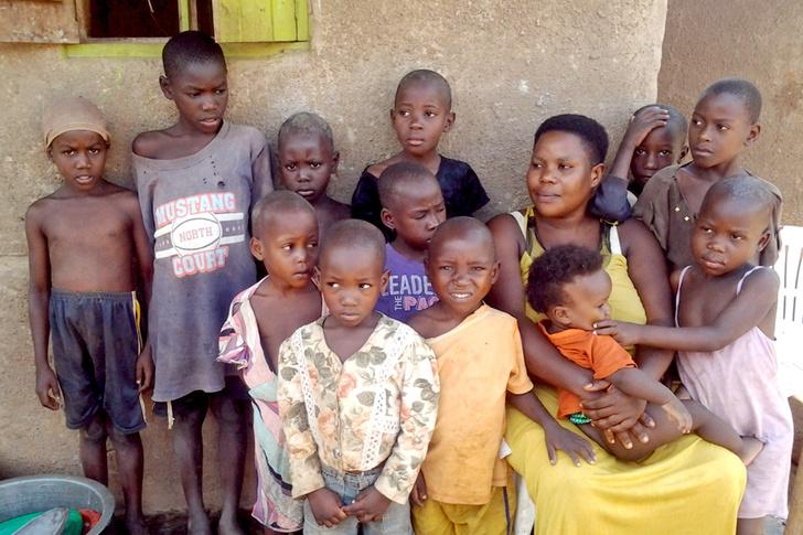 Фото №1 - Как живет женщина, которая к 40 годам родила 44 ребенка