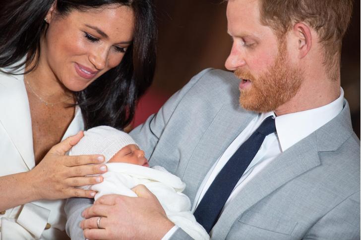 Фото №3 - Меган Маркл и принца Гарри ограничили в родительских правах