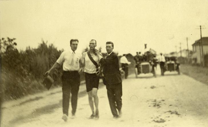Фото №8 - Олимпийский марафон 1904 года: комедия абсурда и сюжет для Тарантино