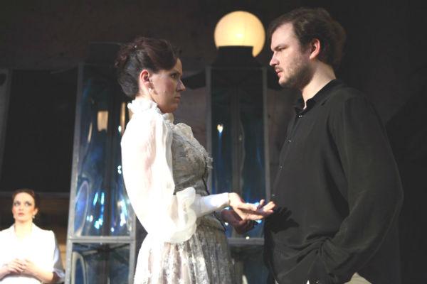 Фото №8 - Играя, сердце разбивают: двенадцать омских актеров-красавцев. Голосуем!