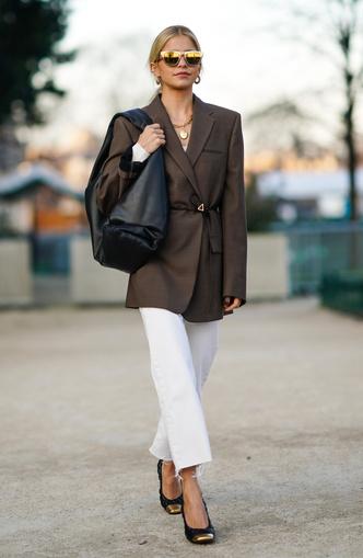 Фото №3 - Отсутствие цвета и одежда «на будущее»: 7 плохих привычек, которые портят ваш стиль