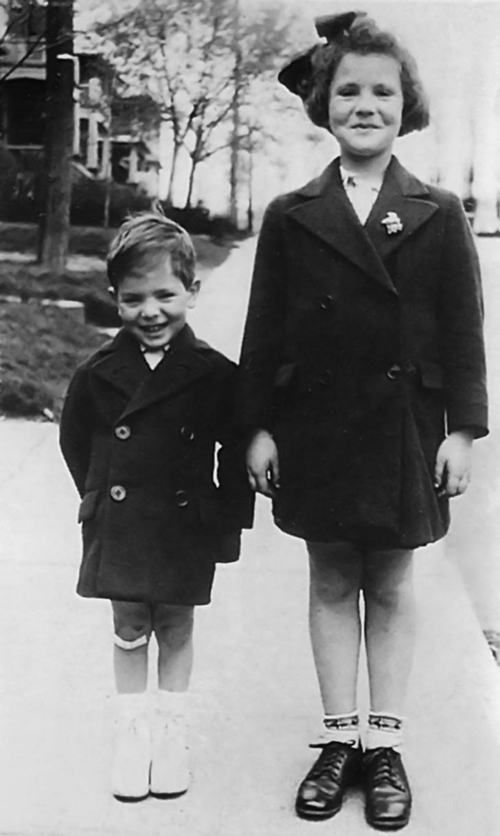 Фото №2 - 7 неожиданных фактов о Леонарде Коэне