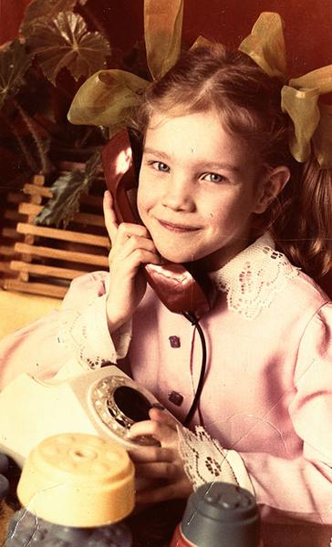 Фото №2 - История Золушки: мама Водяновой рассказала, как дочь покорила мир