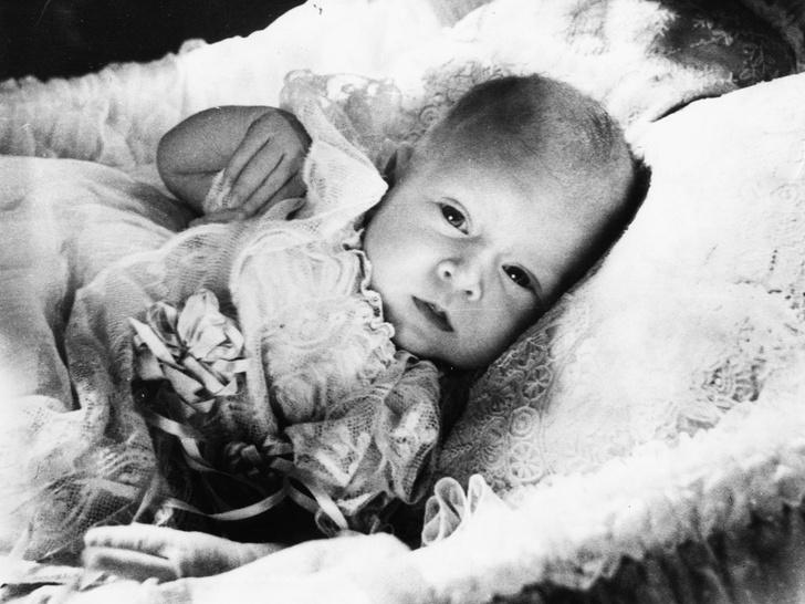 Фото №3 - Еще 10 любопытных правил королевской беременности, о которых вы точно не знали