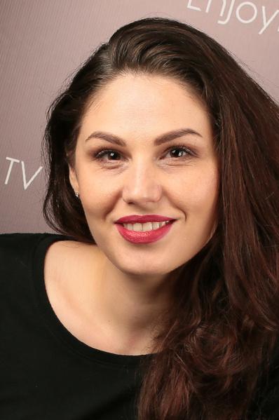 Фото №2 - Ростовчанки с макияжем и без: кто краше?
