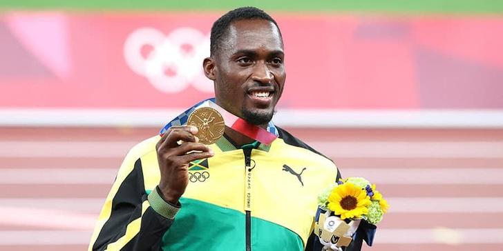 Фото №1 - Олимпийское чудо! Как случайная прохожая помогла бегуну получить золотую медаль