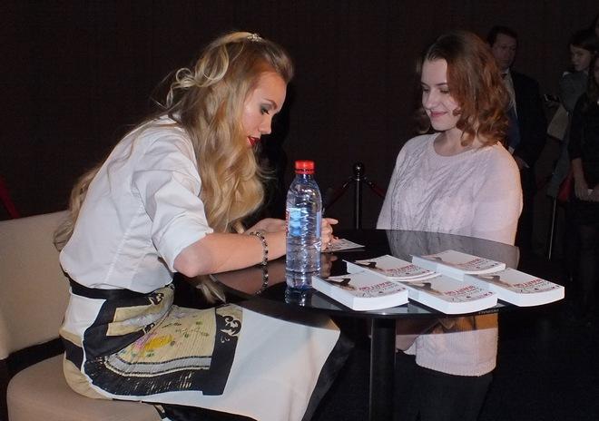 Фото №6 - Елена Крыгина рассказала воронежцам про новогодний макияж