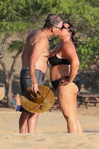 Фото №9 - Девушка Бонда весом в 100 кг: бьюти-трансформация жены Пирса Броснана