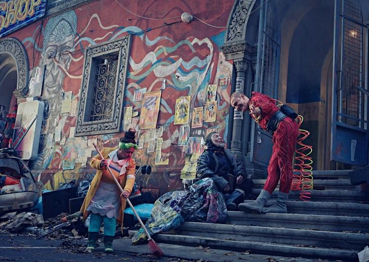 Фото №3 - Кино в Красноярске: Найтли поет, а Депардье играет в футбол