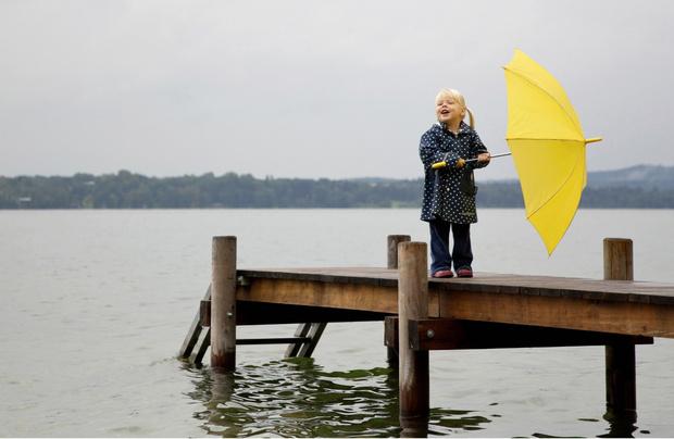 Фото №1 - Что делать, если застигла непогода: 15 правил