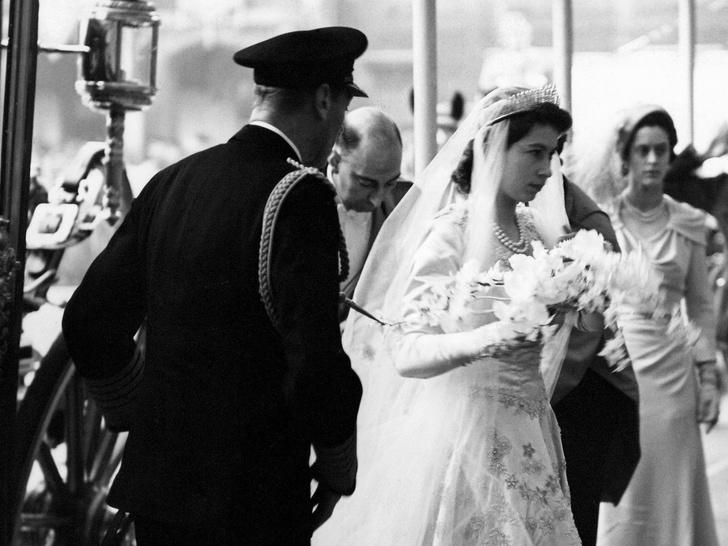 Фото №11 - Папины дочки: самые трогательные фото королевских невест с отцами