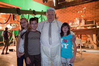 Фото №7 - В гостях на съемочной площадке фильма «Год Белого слона»