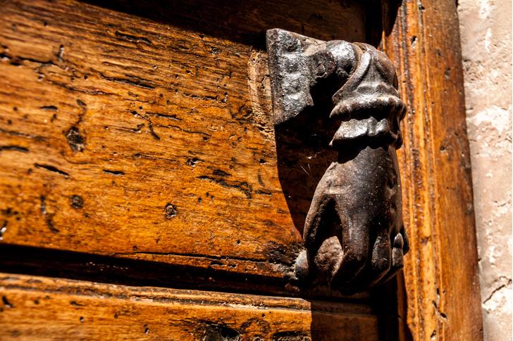 Фото №5 - Почетные стукачи: итальянские дверные молотки