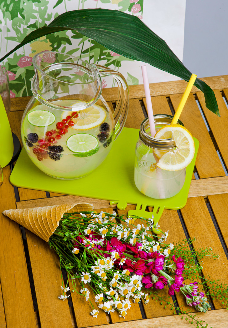 Фото №1 - 3 рецепта домашних лимонадов, которые освежат в жару