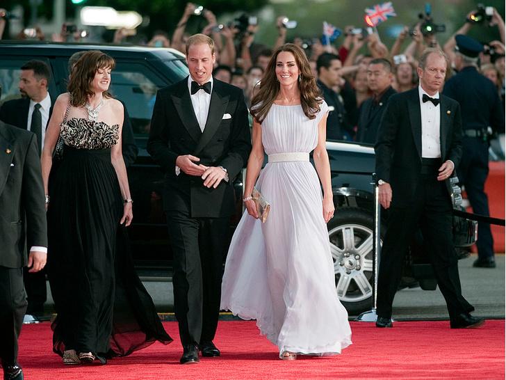 Фото №3 - Любимый бренд: самые роскошные выходы герцогини Кейт в Alexander McQueen