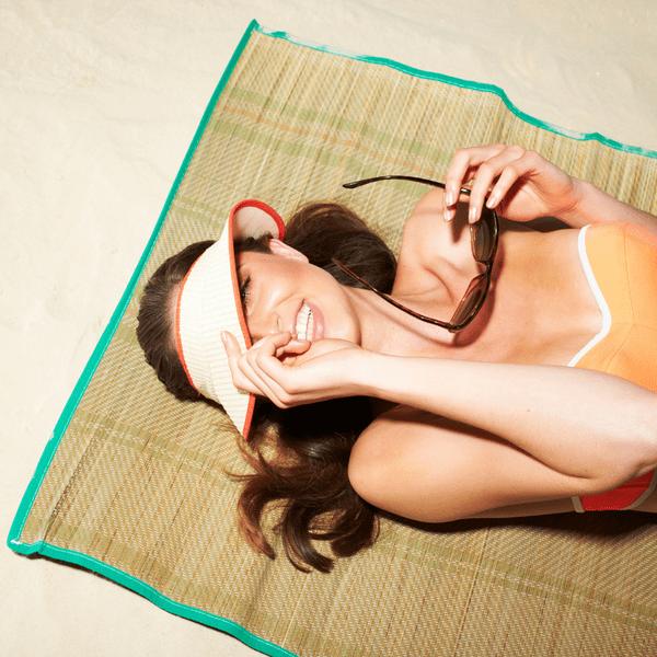 Фото №1 - Как сохранить загар надолго: 5 лучших советов и лайфхаков