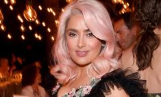 Пошла на поводу: Сальма Хайек покрасилась в розовый