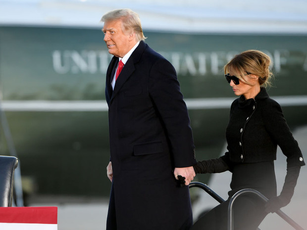 Фото №3 - Жизнь после Белого дома: что сейчас происходит в отношениях Дональда и Мелании Трамп