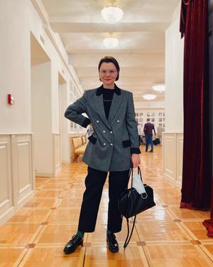 Фото №8 - Из провинциального библиотекаря в леди Шанель: как дорожал «бабушкин стиль» Татьяны Брухуновой