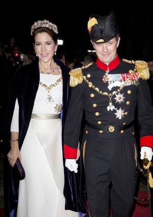 Фото №3 - От невесты Наполеона до кронпринцессы Мэри: история самой необычной королевской тиары