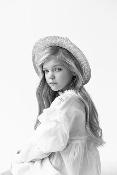 Фото №2 - Из девочки-сироты в топ-модели: история одного усыновления