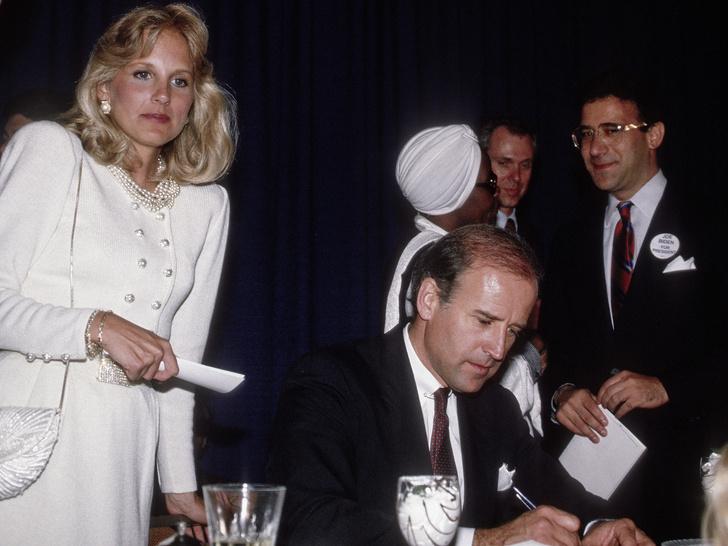 Фото №1 - Трудности любви: почему Джилл Байден четыре раза отказывалась выйти замуж за Джо