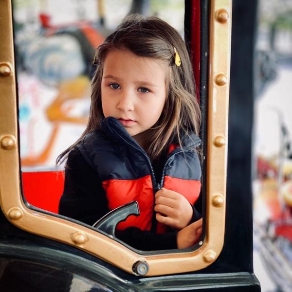 Фото №2 - Мир. Дочь. Май: Иван Ургант опубликовал фото с младшей наследницей, которой скоро исполнится 5 лет