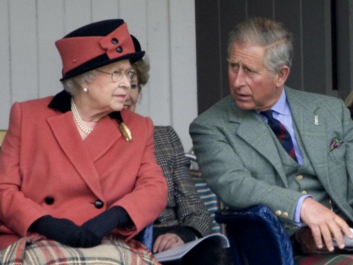Фото №1 - Сын против матери: почему смерть Дианы рассорила Королеву и принца Чарльза