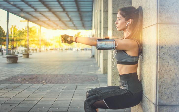 Фото №1 - Для красоты и стройности: 6 упражнений у стены на все тело