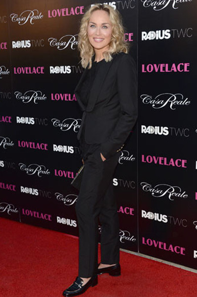 Шэрон Стоун (Sharon Stone) в брючном костюме