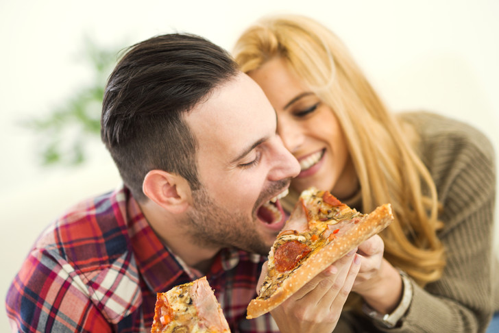 Что делать, если вы оба любите поесть, советы специалиста