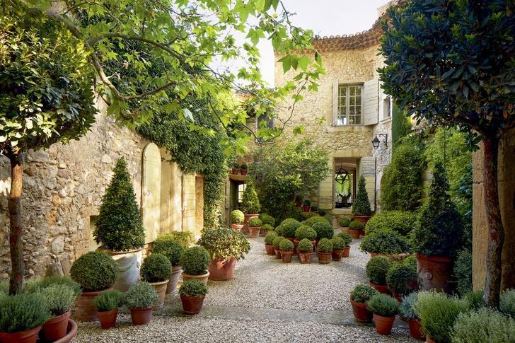 Фото №2 - Дом декоратора Франсуа Катру в Провансе