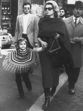 Фото №34 - Княгиня, актриса, дива: образы Грейс Келли, которые вошли в историю