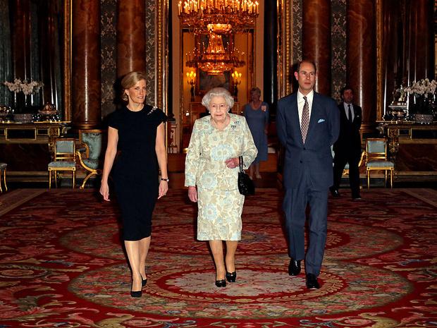 Фото №3 - Особый случай: почему младший сын Королевы и ее «любимая невестка» могут покинуть Лондон