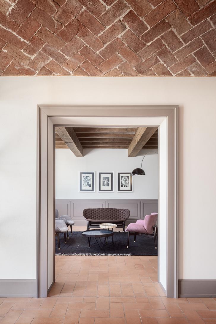 Фото №2 - Старый дом с современным интерьером в Италии