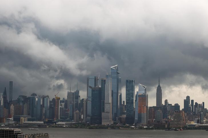 Фото №1 - Тропический шторм Эльза ударил по Восточному побережью США. Нью-Йорк затопило