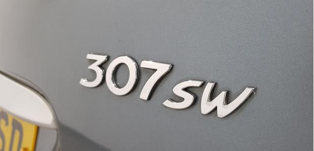 Фото №7 - Как расшифровывать буквенные индексы в названиях автомобилей